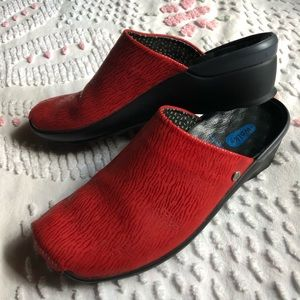 WOLKY GO CLOGS 39 NWOB red leather comfort